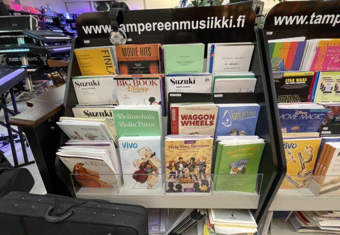 再び!タンペレの楽器店 Tampereen Musiikki