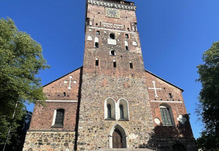 フィンランド生活備忘録 初旅行はトゥルクへ〜 おすすめ観光スポット トゥルク大聖堂