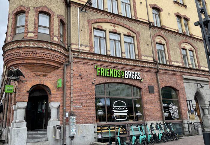 タンペレのおすすめハンバーガーショップ Friends & Brgrs Tampere 行ってみたよ