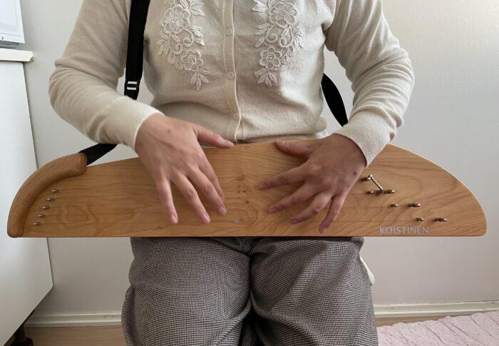 カンテレの音に癒されて〜フィンランドの民族楽器 カンテレを習う